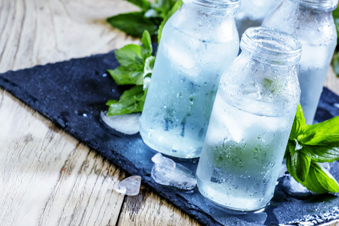 5 Benefits of Drinking Water Every Day